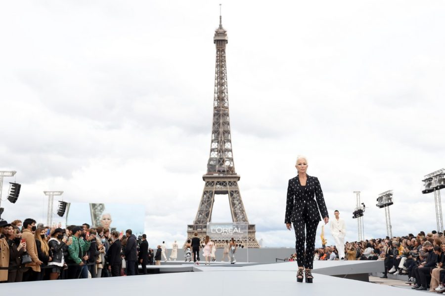 """""""Le Defile L'Oreal Paris 2021"""": Helen Mirren. (Photo by Vittorio Zunino Celotto/Getty Images For L'Oreal)"""